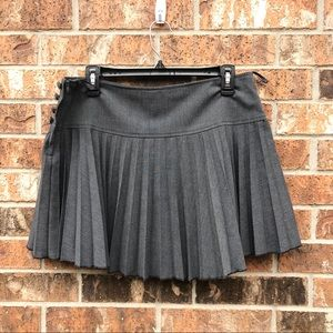 H&M plead skirt